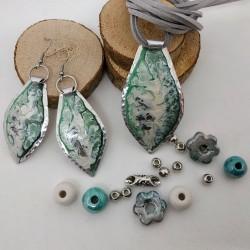 orecchini dipinti goccia bianco verde
